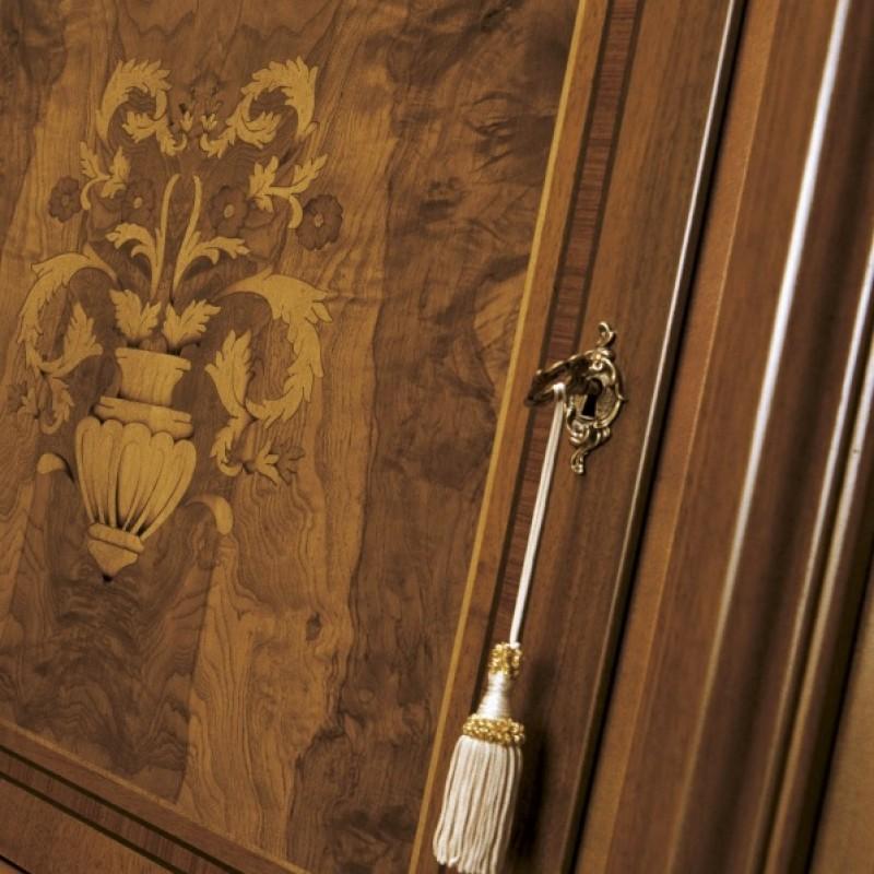 Итальянская мебель Grilli - Витрина 2х дверная - в наличии в Москве